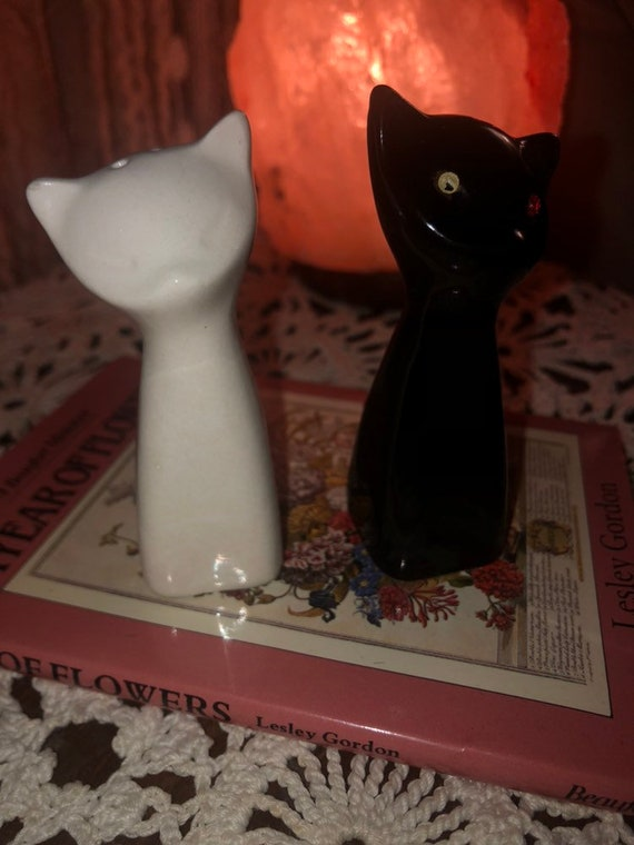 Black And White Kitty Puss Sp Shakers Etsy