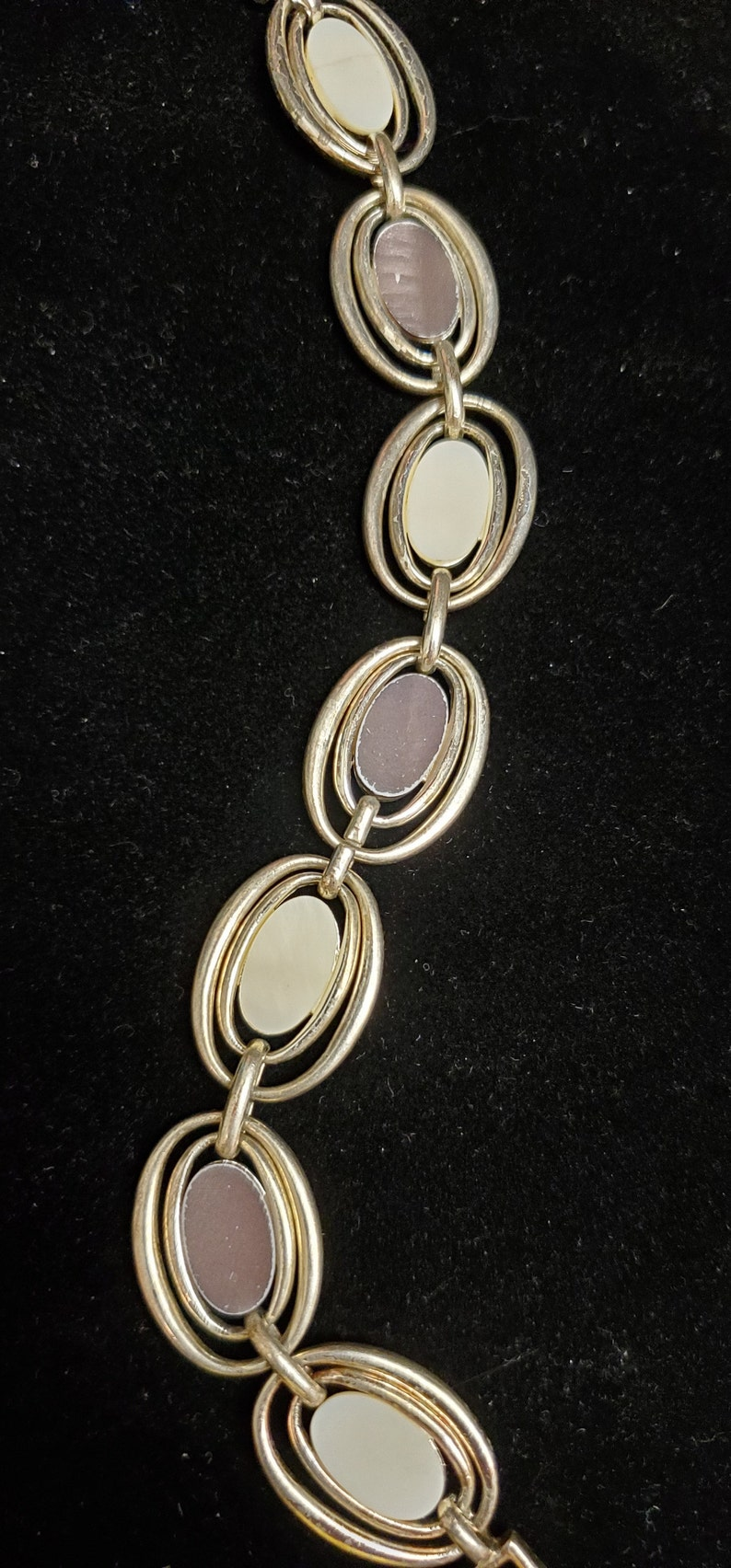 Mid Century Modern White And Brown Oval Link Bracelet in Silver tone