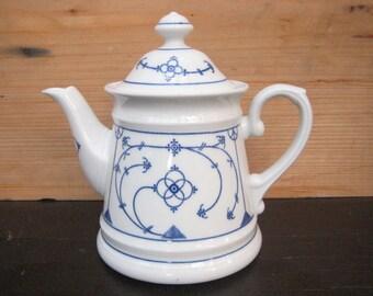 Teapot by Winterling Straw flower pattern Indian Blue 1,25 l