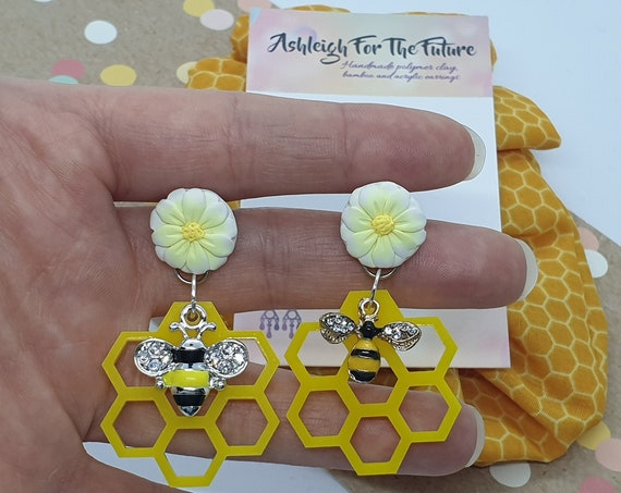 Collaboration - Daisy Bee Dangles With Matching Scrunchie