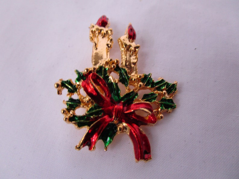 Vintage Christmas Red Bow Green Holly /& Candles Brooch Nice