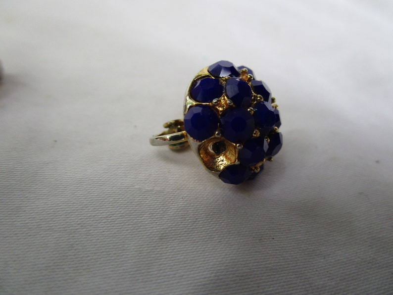 Nice High Fashion Cobalt Blue Cluster Rhinestone Clip on Earrings