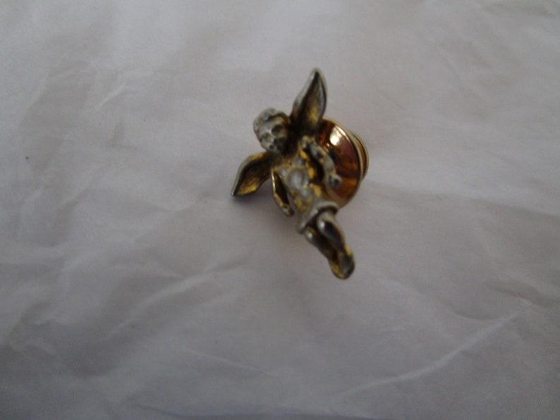 Vintage Gold Tone Cute Angel Pinback