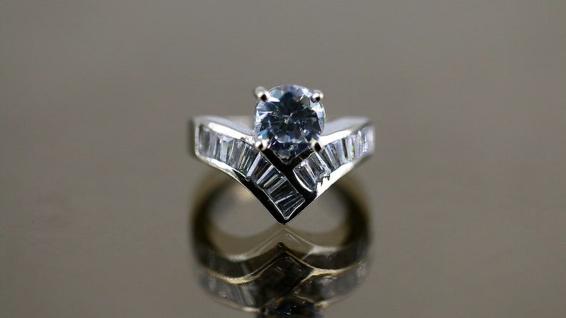 Women Princess Sparkling Crystal CZ Fashion Jewelry Ring 925 Sterling Silver Size 5 Rg 1580