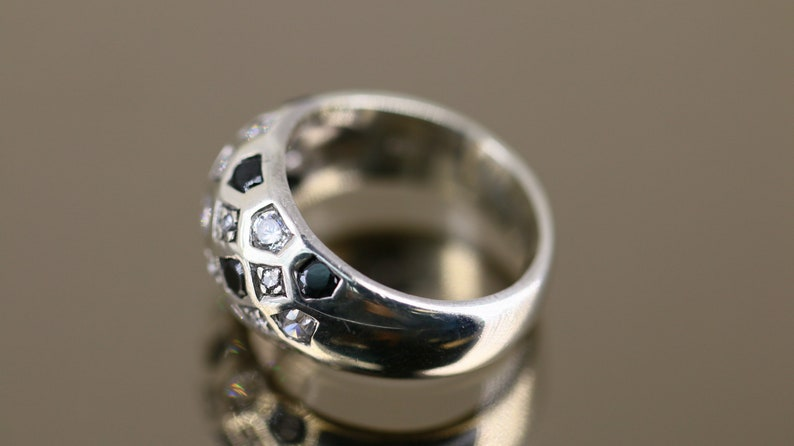 Vintage Thick Black and White CZ Crystals Women/'s Ring 925 Sterling Silver Size 6.45 RG 1008