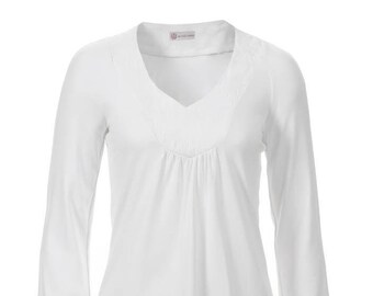wide white long-sleeved shirt