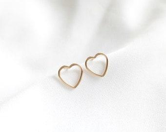 APHRODITE ear chips // Gold filled 14K gold hearts