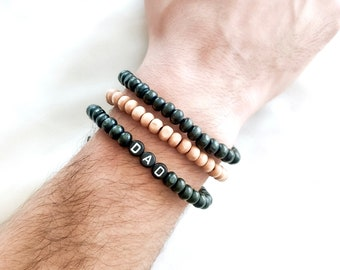 Bracelet MANTRA WOOD pour homme // Perles en bois & perles alphabet à personnaliser