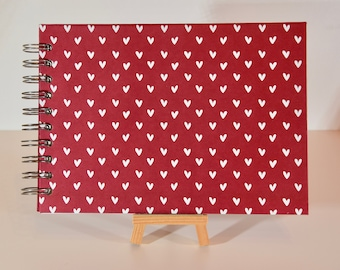 """A5 photo album """"Little white hearts on dark red background"""" with 15 white sheets, album for scrapbooking"""