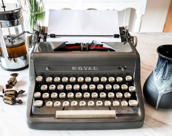 1956 Charcoal Royal Quiet Deluxe   Serviced, Cleaned, Tested   Demo Video   Backspace & M-R don't work   Ideal for Casual Use   Sold AS-IS