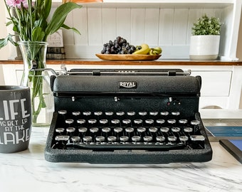 1941 Royal Arrow | Working Typewriter | Serviced, Cleaned, Tested, New Ribbon | Demo & Tutorial Videos | Glass Keys | Original Case