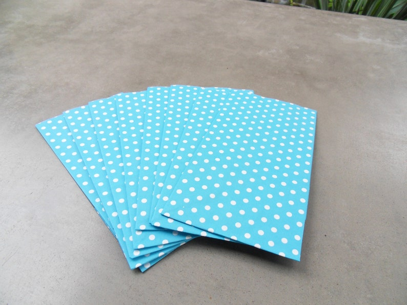 10 Gift Bags Paper turquoise Dots bottom bag