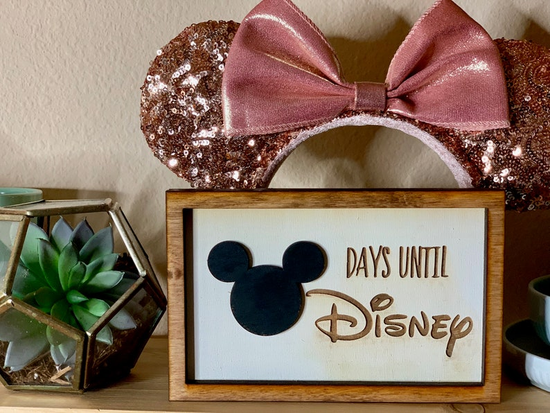 Medium Countdown to Disney Framed Sign  4.5 x 7 image 0