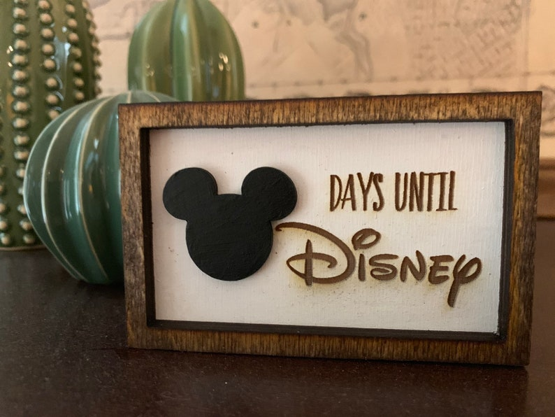 Small Countdown to Disney Framed Sign  3 x 4.5 image 0
