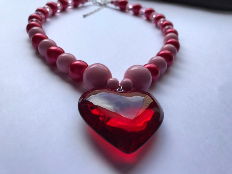 chunky necklace huge love heart bold necklace statement necklace. Red and pink love heart pendant beaded necklace