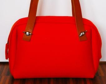 Handbag in wool felt