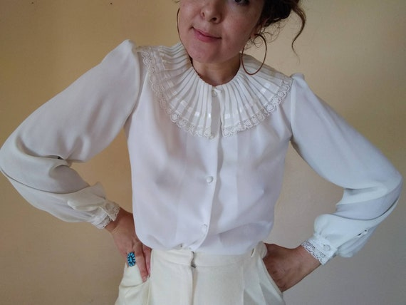Vintage 60s White Blouse With Ruffle Collar