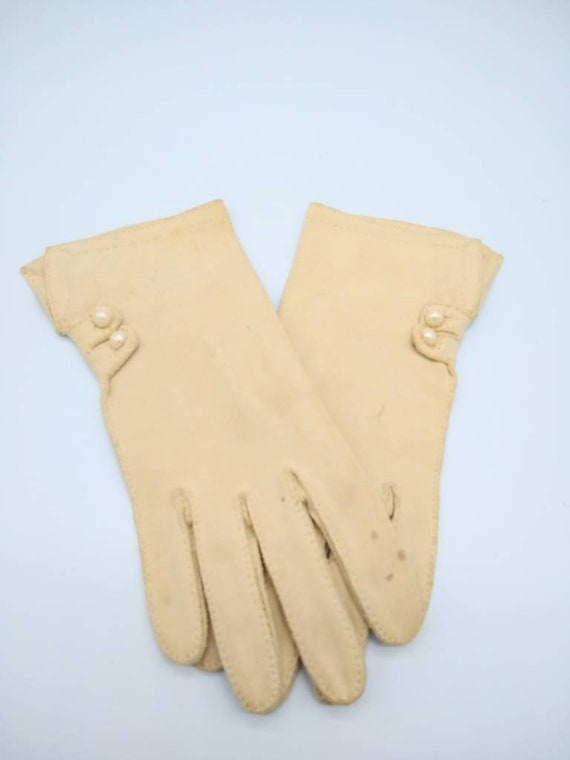 Vintage 40s French Crescendo Cream Gloves