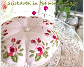 Embroidery file ITH needle cushion in the hoop