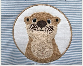 Embroidery file Button with Otter