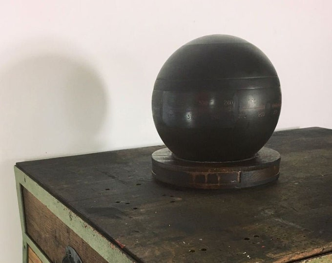 Ball Compass on wooden base from circa 1950-Nautica-Compass-Submarine-Militaria-rarity-Compass-Nautik