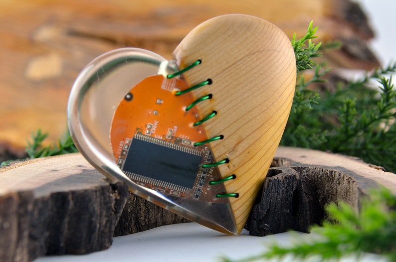 Clea Epoxy Resin Gift for Him Woodworking Gift Wood and Epoxy Chip Heart Wooden Ornament Office Gift,Interesting Present Modern Loves