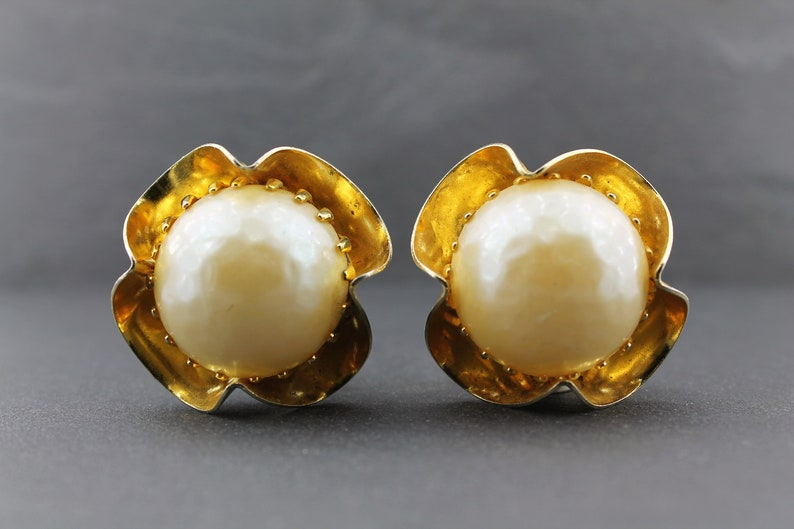 Massive Cocktail Earrings  Vintage 80/'s Clip Back Earrings with Large Creamy Pearl