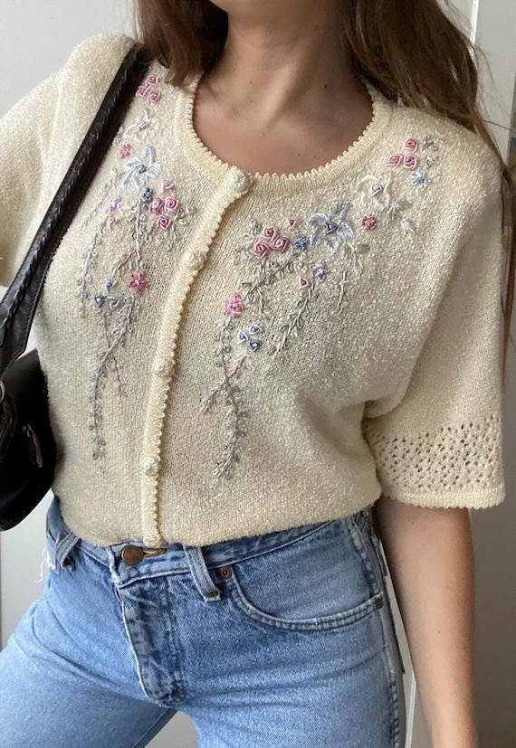 Vintage 80s Floral Embroidered knitted Milkmaid bl