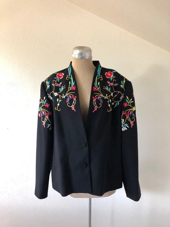 Vintage 1980's Flower Embroidered Black Blazer