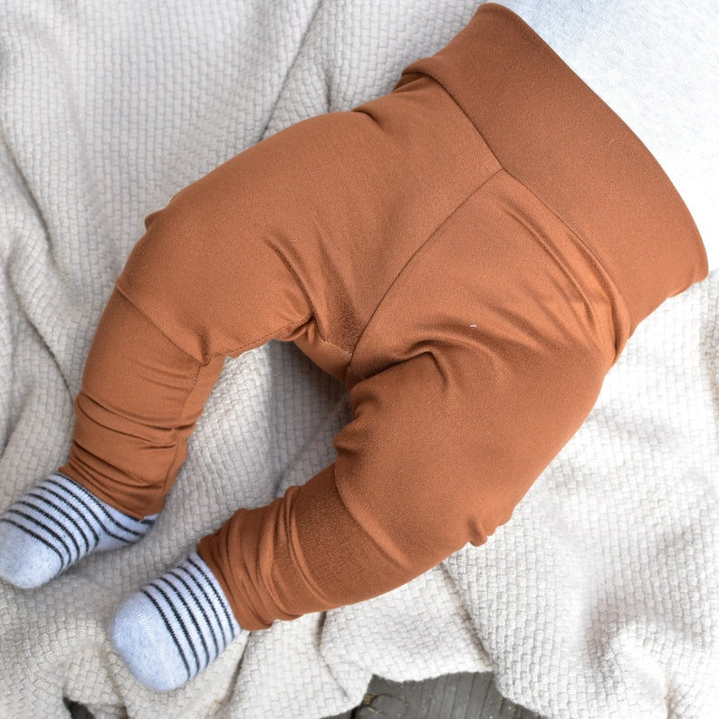 Gender Neutral Fall Baby Clothes Deep Caramel Baby Leggings and Hat Set