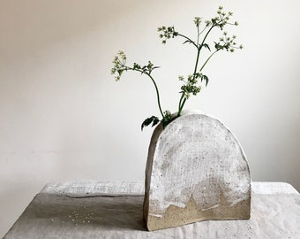Speckled Bud Vase with White Glaze for foliage, home decoration