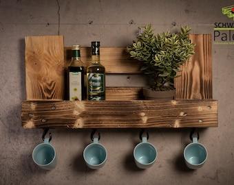 Kitchen shelf made of pallets