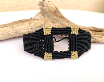 wide macrame bracelet, elegant cuffbracelet, square and geometric, jewelry hypoallergenic, size adjustable, many colors