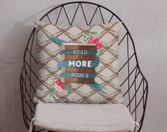 THE BOOKISH PILLOW