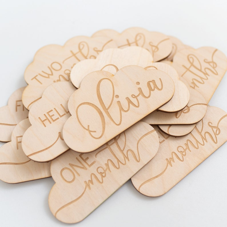 Baby Announcement Photo Prop Milestone Markers Cloud Wooden Baby Milestone Cards Baby Milestone Plaques Baby Monthly Milestone Cards