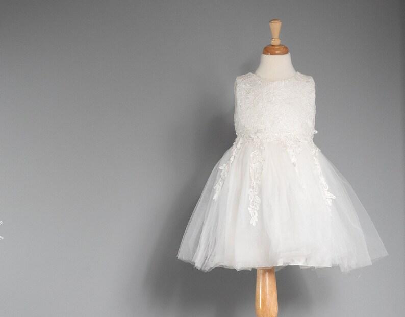 Madison-White Flower Girl Dresses-Rustic Flower Girl Dresses-Vintage girl dress-Country Dress-White Tulle dress-Birthday Dress-Baptism-boho