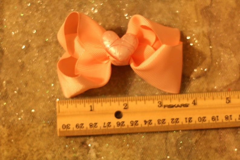 Big colorful bows for girls