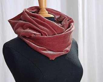 Silk Velvet Loop Scarf Old Pink