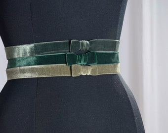 Stretch belt in grey-green, tan-green or lime green velvet with hoe and eyelet