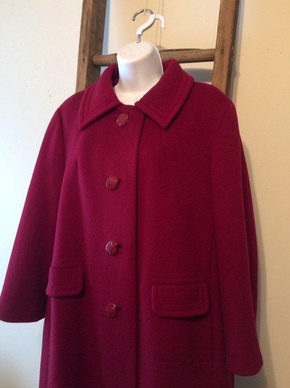 Vintage Burgundy wool ladies coat/vintage large la