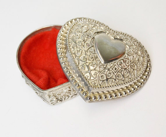 Vintage Jewelry Box,Heart Box,Ring Boxes,Pewter Jewelry Boxes,Jewelry Containers,Jewelry Storage,Hearts,Jewelry Hearts,Vintage Hearts