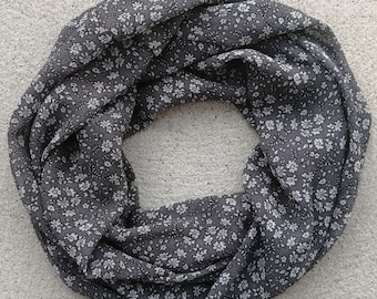 Ultra light Infinity Scarf, double wrap, high quality fabric, soft, confortable, easy to wear, stylish, 4 seasons, gift idea, Montreal made