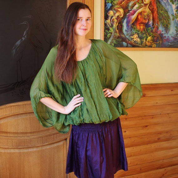 Vintage green silk top Bat sleeve top Made in Ital