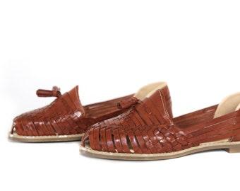 f9b74e73a2a63 Women s Mexican Huarache Sandals TASSEL STYLE - Brown Closed Toe Sandal  Slip-on Classic Handmade Premium Leather Handwover Hurachi Fiesta
