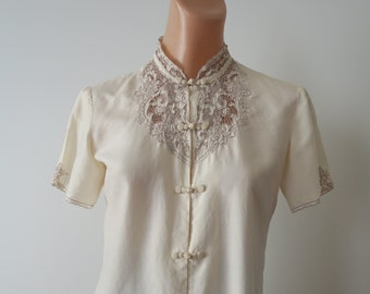 ef6ad02b91d5b3 Vintage Chinese Hand Embroidered Cream Silk Short Sleeved Blouse with Silk  Toggle Knot Closures
