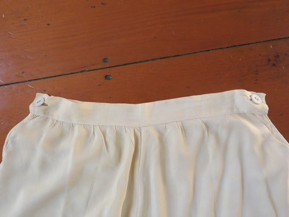Vintage early 1900's 100% Silk Embroidered Creme … - image 7
