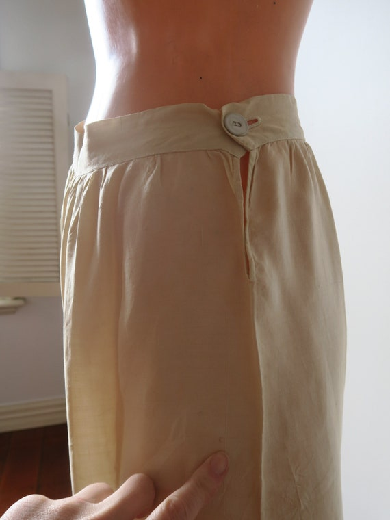 Vintage early 1900's 100% Silk Embroidered Creme … - image 3