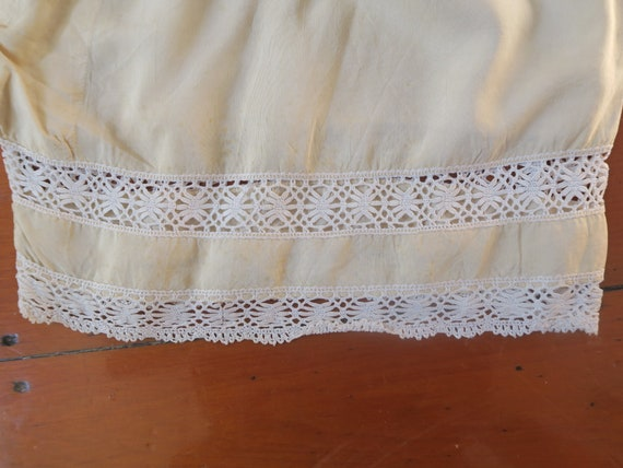 Vintage early 1900's 100% Silk Embroidered Creme … - image 9