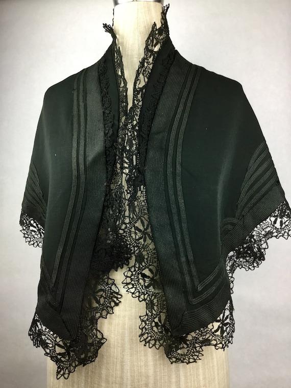 Vintage Black Wool Capelet Cape