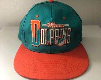hot sale online 0125d 007ff Vintage Miami Dolphins Snapback